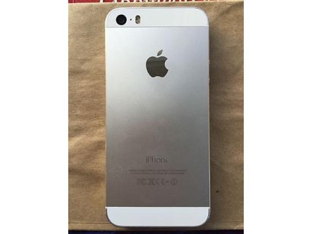 iPhone 5s 16GB PLATEADO LIBRE DE FABRICA, CON PROTECTOR Y CARGADOR. NO CAMBIOS  ENTREGAS PERSONALES