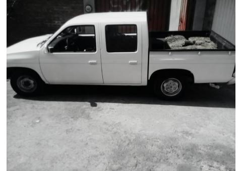 Nissan pick up doble cabina