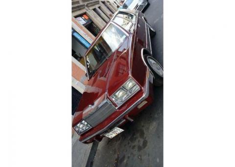 Auto de coleccion CHRYSLER NEW YORKER 86
