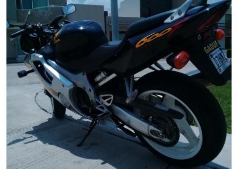 Vendo Moto CBR600 Honda 1999