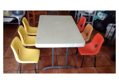 2 mesas para niños con 6 sillas c/una