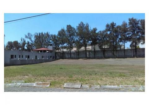 Venta de terreno en fraccionamiento privado club  Erandeni,  frente a la casa club 1000mts2, $1,280,