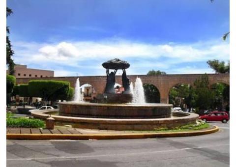 TERRENO UBICADO EN EL CENTRO HISTORICO,  A MEDIA CUADRA DE LAS TARASCAS.  370MTS2. EXCELENTE UBICACI