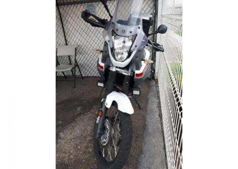 Hermosa Yamaha Tenere 660