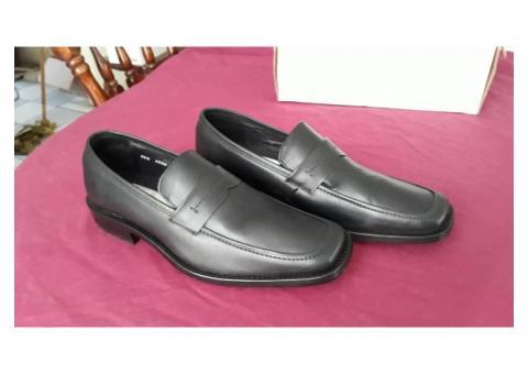 Zapatos Gillio negros piel vestir talla 28.5