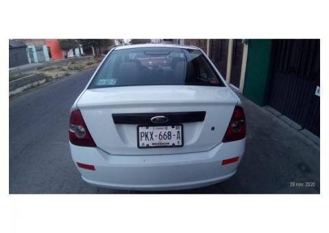 Vendo mi Ford Fiesta Nocht Sedan First 2010