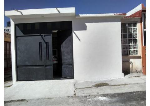 Vendo casa ampliada en Metrópolis 1 con 2 recamaras