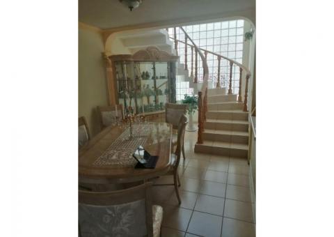 Preciosa casa en venta 2 plantas 4 RECAMARAS